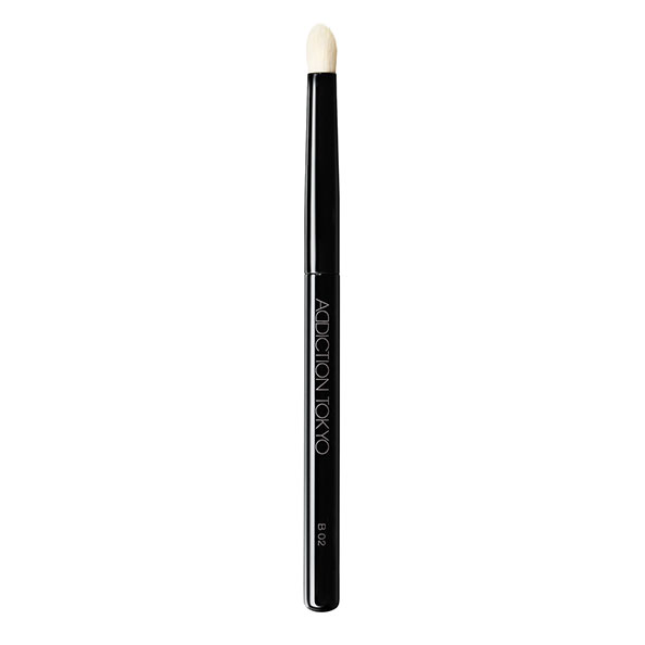THE EYESHADOW BRUSH B 02